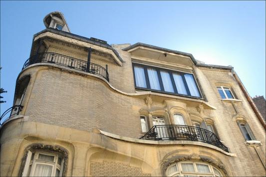 Façade d'un immeuble art nouveau d'Hector Guimard (Paris)