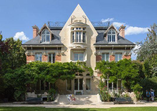 800px-Le_Vesinet_villa_Berthe_La_Hublotiere_Hector_Guimard