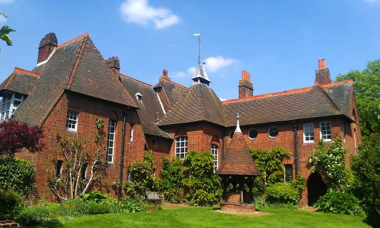 philip_webbs_red_house_in_upton
