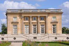 Petit_Trianon_-_Façade_ouest_(2)